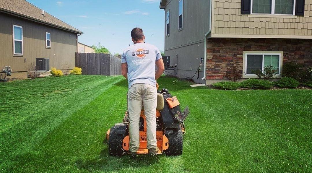 Pro Mow Lawn Maintenance Kansas City
